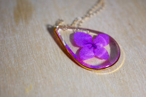Purple Hydrangea Teardrop Necklace, Pressed flower jewelry, Preserved nature terrarium, Purple flower Necklace