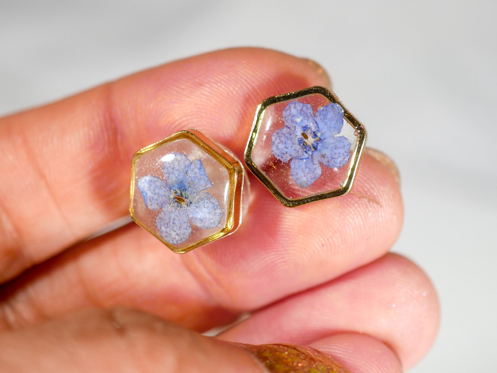 Forget me not stud hexagon earrings