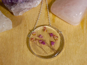 Coral bell round necklace