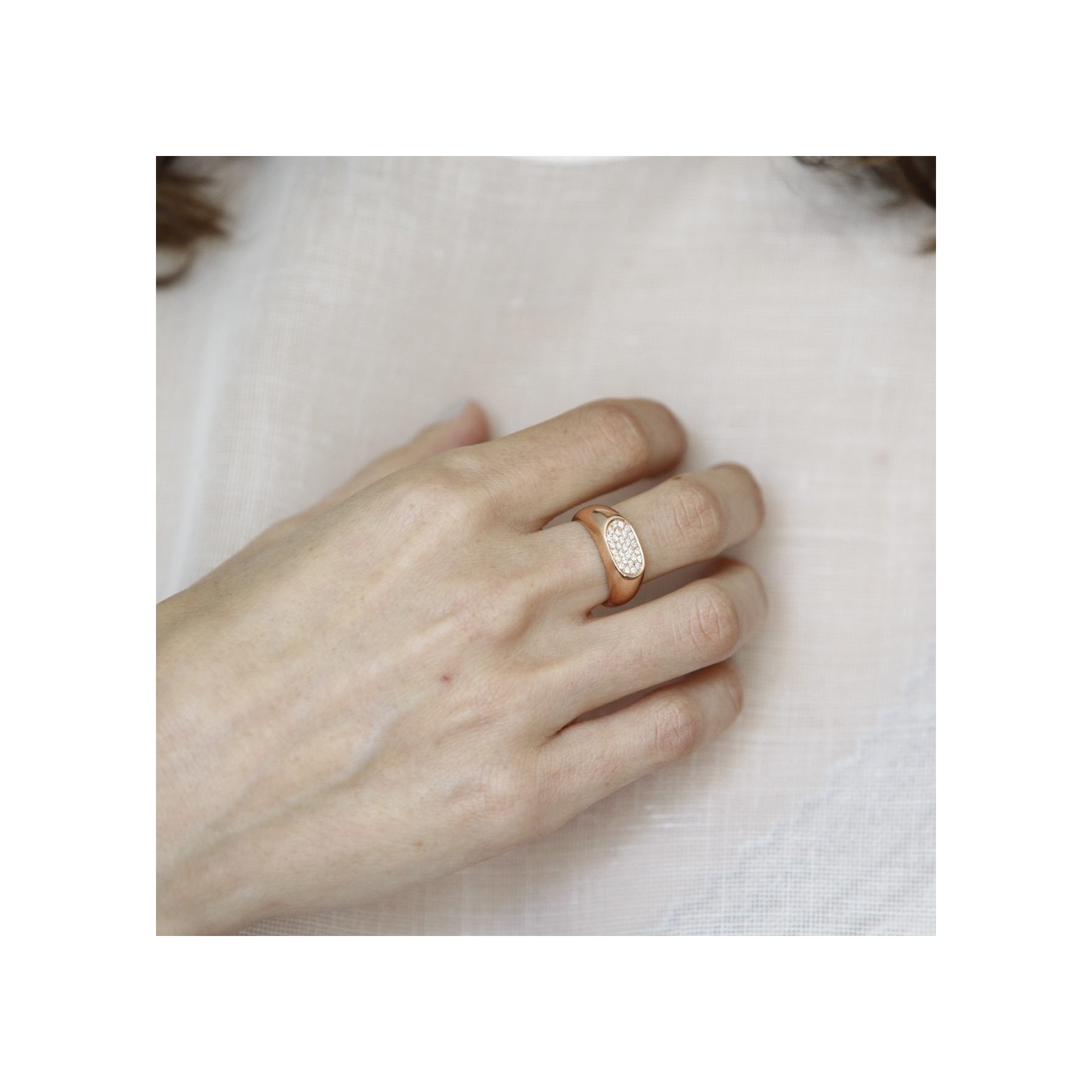 Signet Ring With White Pavé - Gabriela Artigas