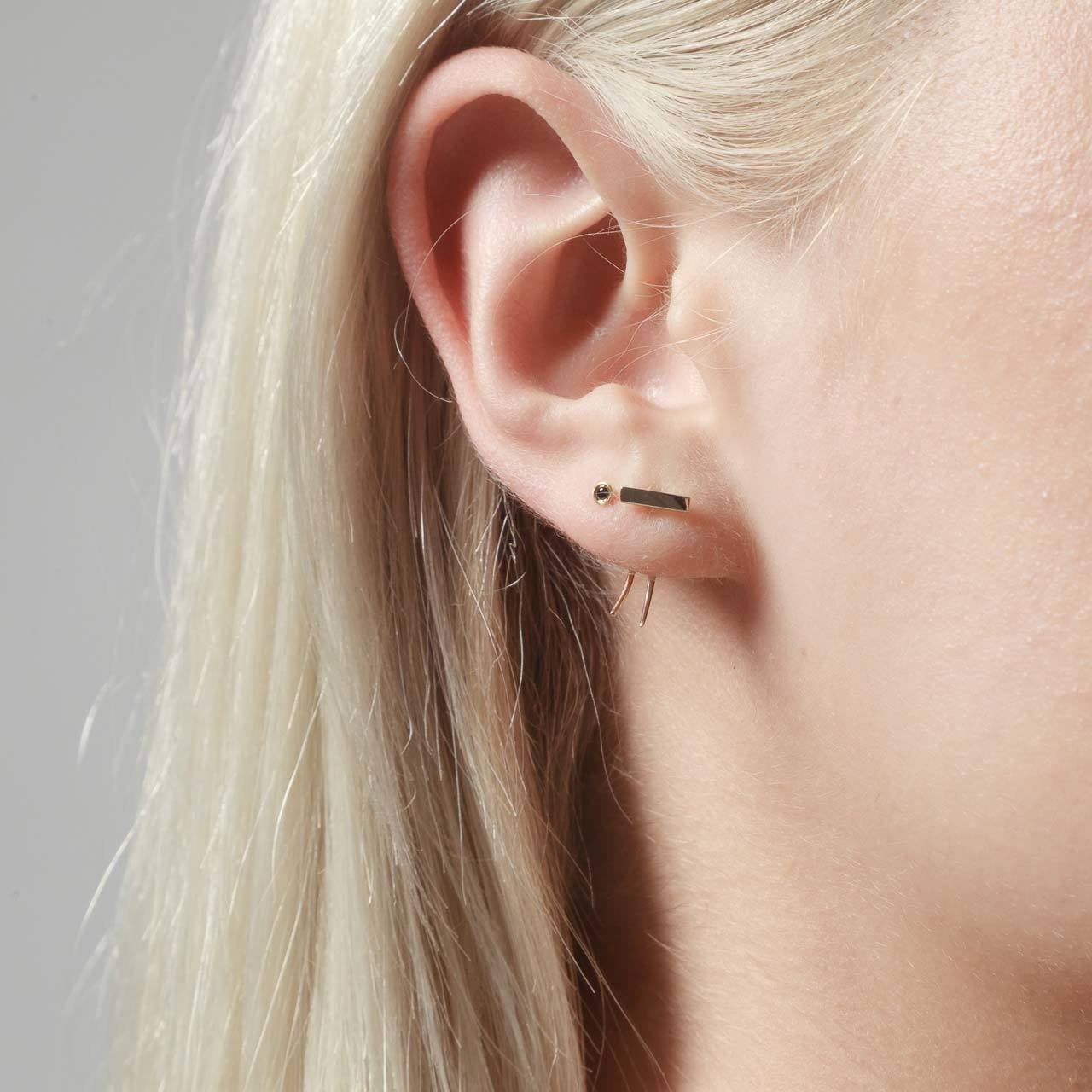 Infinite Tusk Earring With Stone in 14K Yellow Gold - Gabriela Artigas