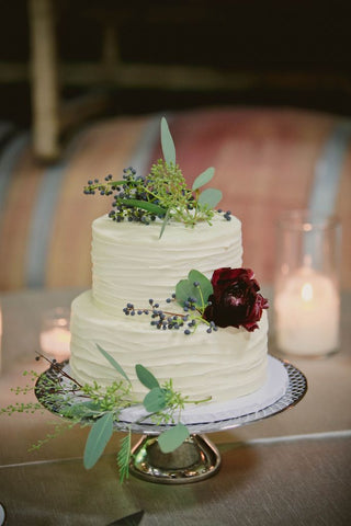 floral wedding cake for outdoor wedding