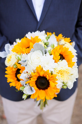 wedding sunflower bouquet