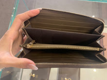 Load image into Gallery viewer, Fendi Wallet Calf Leather