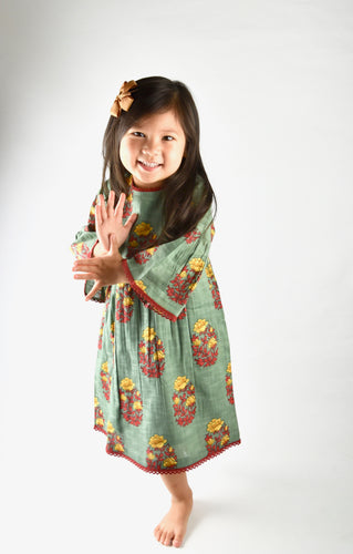 Green dress with bell sleeves and lace detail - Kids Wholesale Boutique Clothing, Shirt-Dress - Girls Dresses, Yo Baby Wholesale - Yo Baby