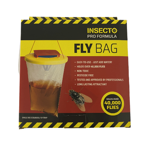Suitable for outdoor use only, this genuine Red Top Fly Bag is capable of catching up to to 20,000 flies! The catching agent stays active for up to 12 weeks and ideal for use in hot weather.  The catching agent in this fly trap is non-toxic so suitable for stables, milking parlours but is recommended to be placed 10m away from livestock housing as flies are attracted to it.