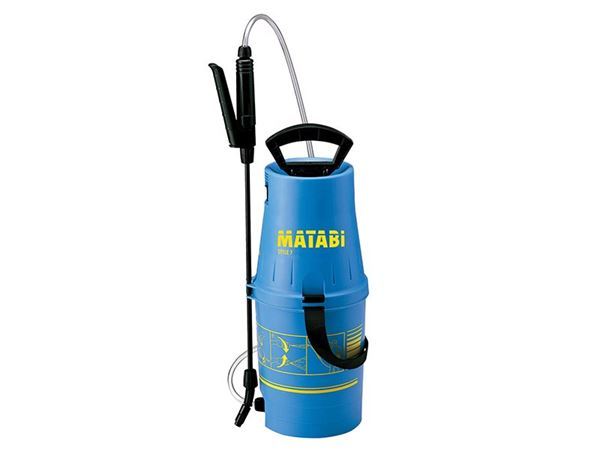 New and improved design - A robust and compact compressed air sprayer with a strong polypropylene tank, a directional filtered lance, ergonomic handle and a transparent hose.  Suitable for spraying disinfectants, pesticides and herbicides.  We recommend using the Matabi Sprayer when applying Hoof-fit Spray Liquid.  5 Litre capacity.