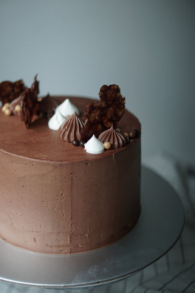 "SIGNATURE DARK CHOCOLATE 6"" WHOLE CAKE"