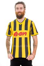 Load image into Gallery viewer, 2000 Dortmund home replica retro football shirt