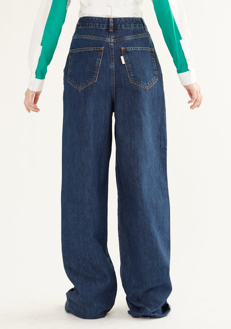 High Rise Jeans With Loose Pleats