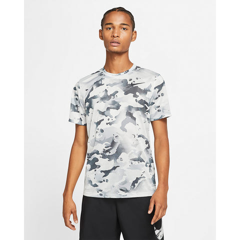 NIKE MEN'S DRY LEGEND CAMO AOP SHORT SLEEVE TOP LIGHT PUMICE/PLATINUM