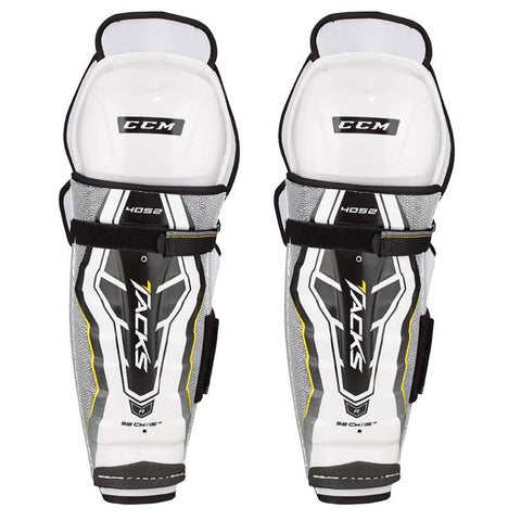 CCM TACKS 4052 JR SHIN GUARDS