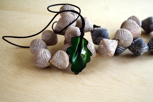 Rich Green Oak Leaf Pendant