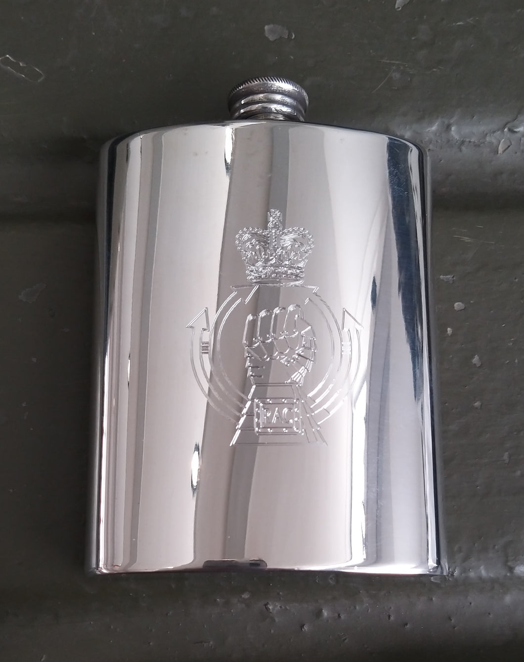 Royal Armoured Corps Hip Flask - The Tank Museum