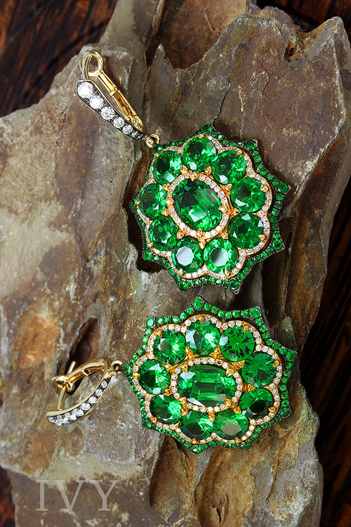 Tsavorite and Diamond Euryalina Earrings