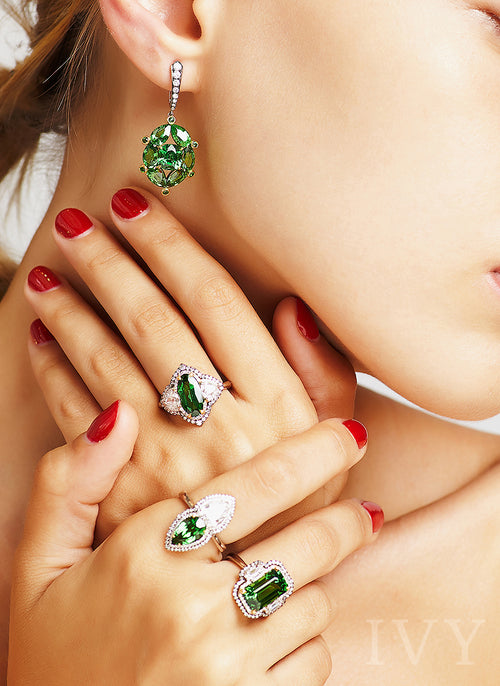 Art Deco Tsavorite and Diamond Ring