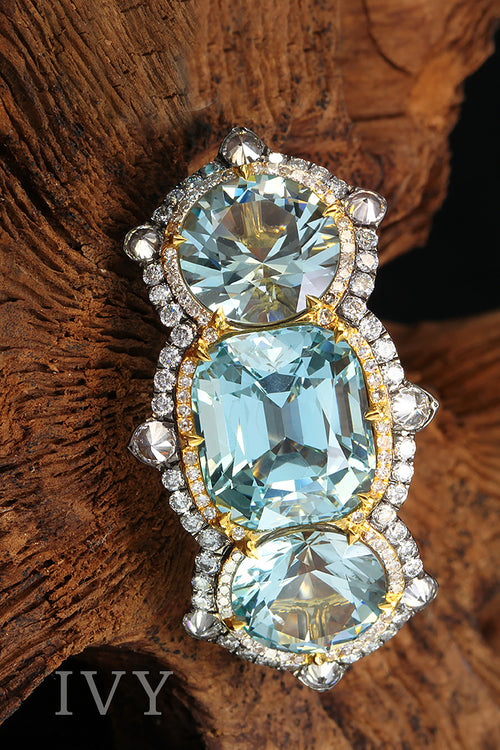 aquamarine and diamond ring yellow gold