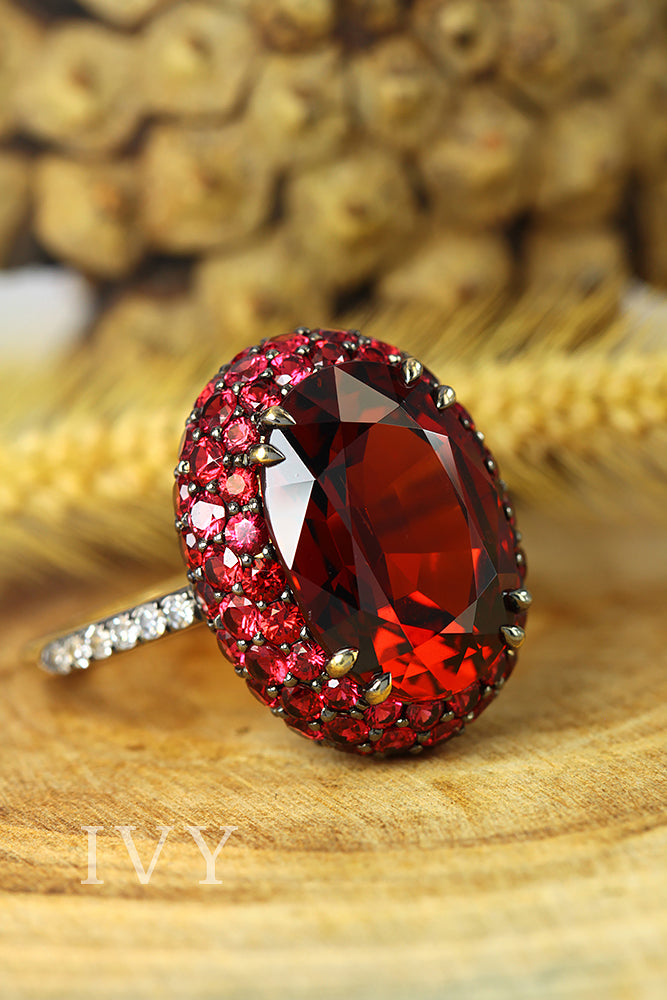 Spessartite and Spinel Ring