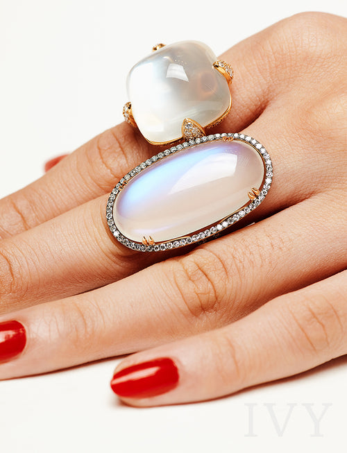 Moon Loaf Ring with Moonstone and Diamond