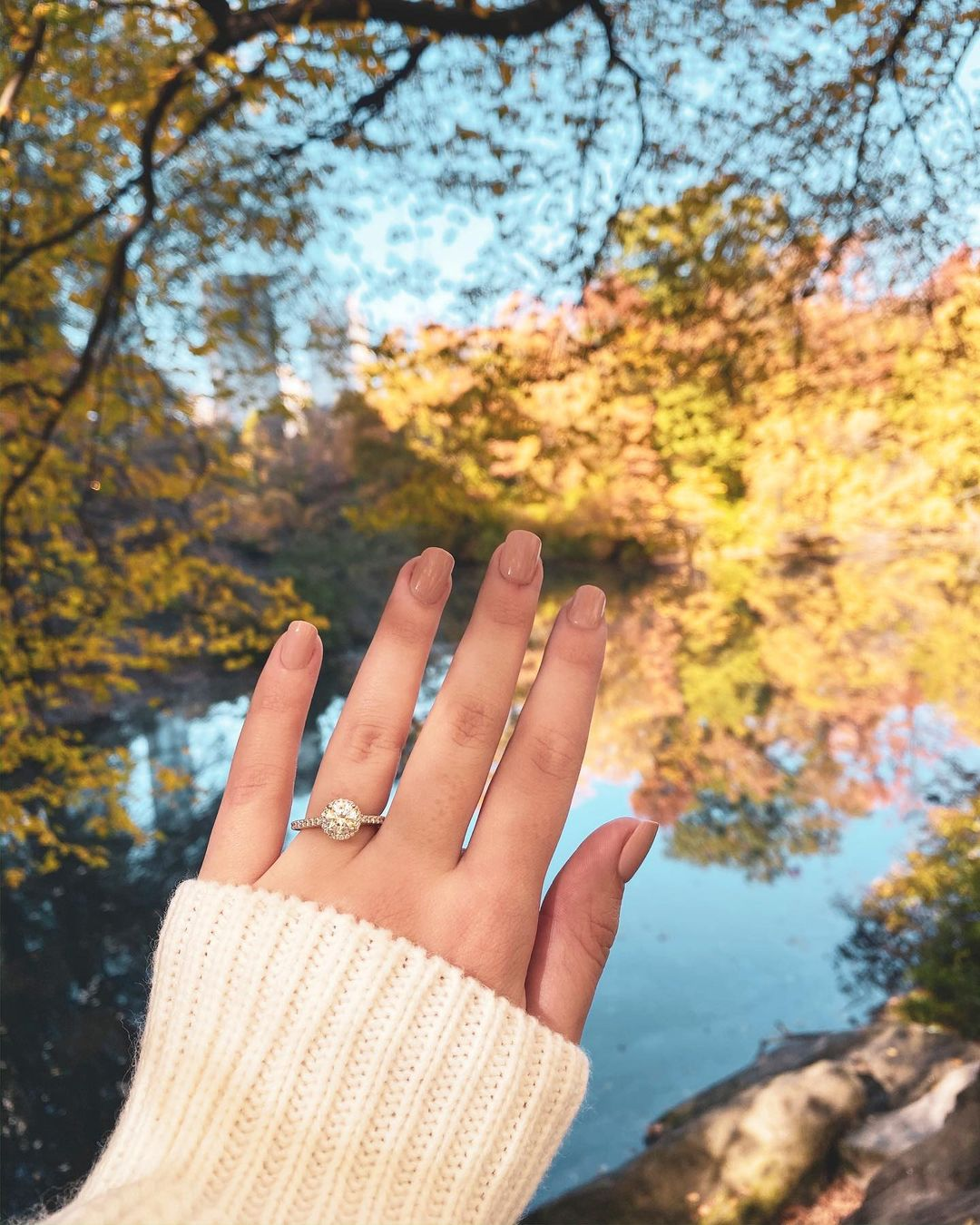 The Ultimate Engagement Ring Selfie Shot-list
