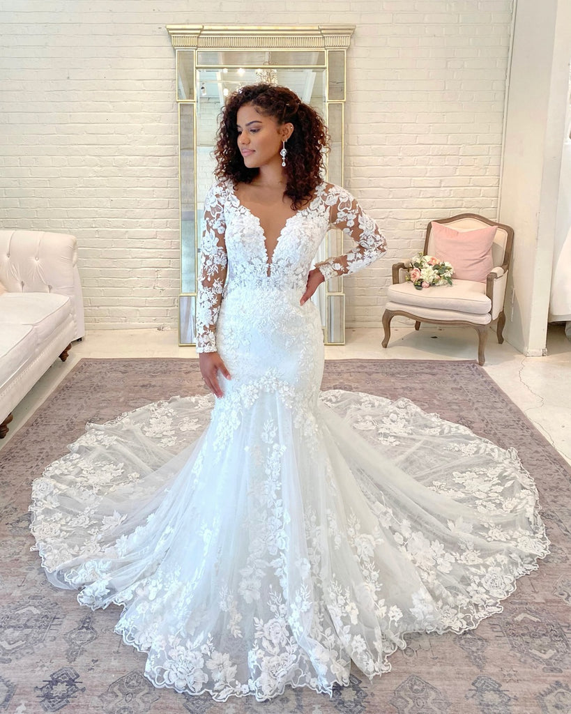 curvy bride in fit and flare wedding dress