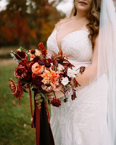 rust and red wedding bouquet