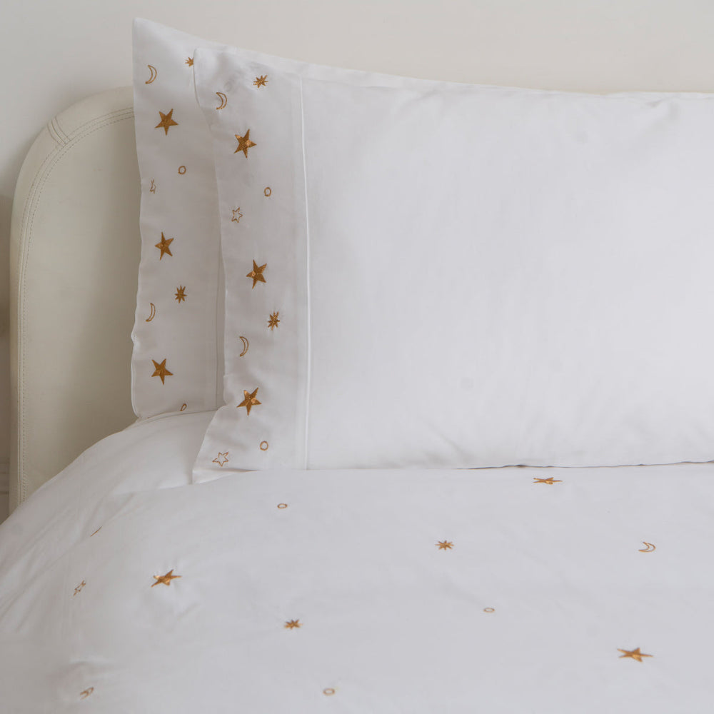 Luxury Soft Cotton Sateen Bedding Set: Elizabeth Scarlett 1