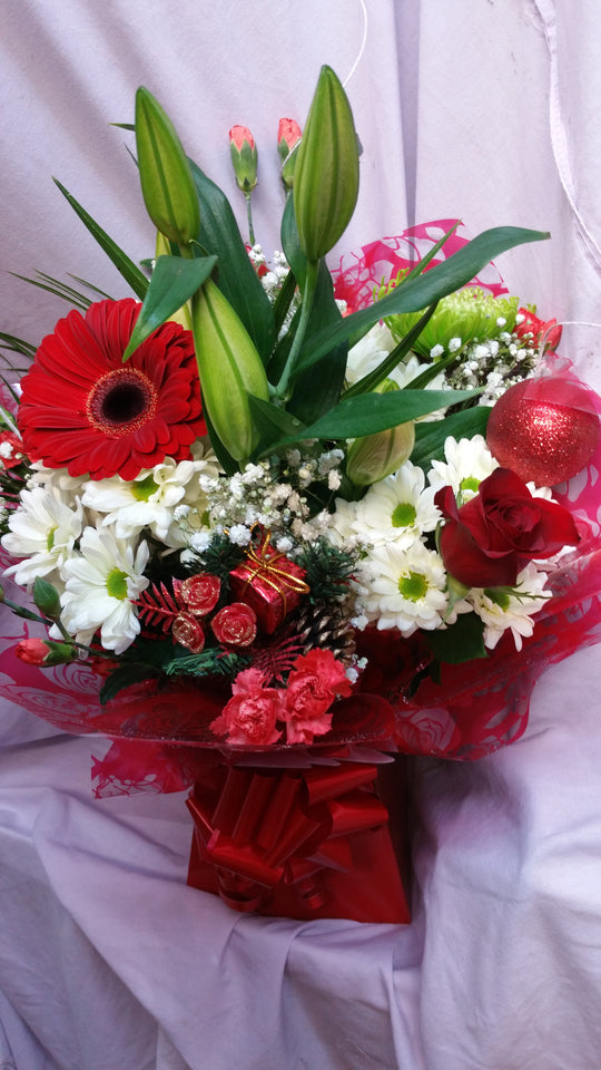 Christmas aqua box bouquet (1)