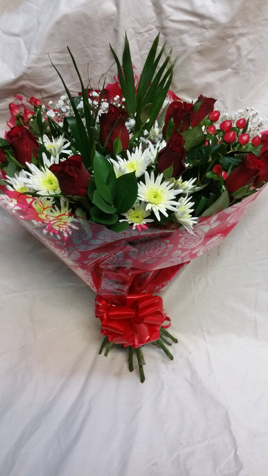 Valentine's  For that Someone Special Bouquet . (1)