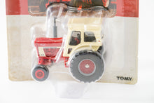 Load image into Gallery viewer, 1/64 IH Farmall 1066 Tractor