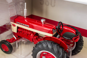 1/16 International Harvester Farmall 560 With Disk