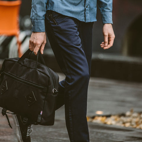 コミューターチノ<br>The Commuter Chino in Navy Merino 4S - featured image