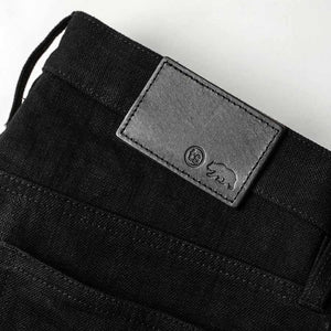 スリムジーンズ<br>The Slim Jean in Black Selvage
