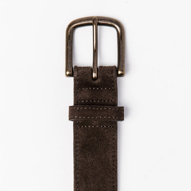 ステッチベルト<br>The Stitched Belt in Weatherproof Chocolate Suede