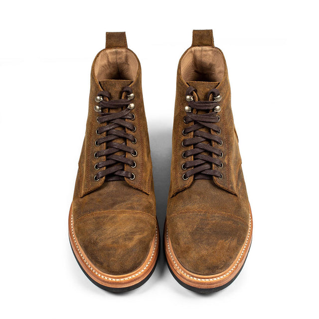【4月下旬入荷予定】<br>モトブーツ<br>The Moto Boot in Golden Brown Waxed Suede