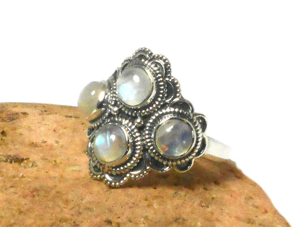 Fiery Grade 'A' Moonstone Sterling Silver 925 Gemstone Ring - Size O