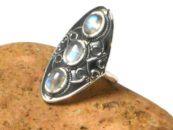 Grade 'A' Moonstone Sterling Silver 925 Gemstone Ring - Size Q
