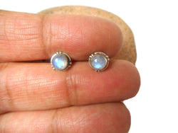 Round Shaped MOONSTONE Sterling Silver Stud Earrings 925 - 5 mm