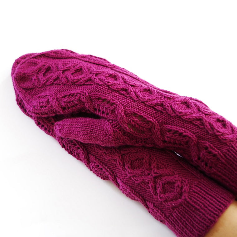 "Knitting pattern ""Mrs. Marple Mittens"""
