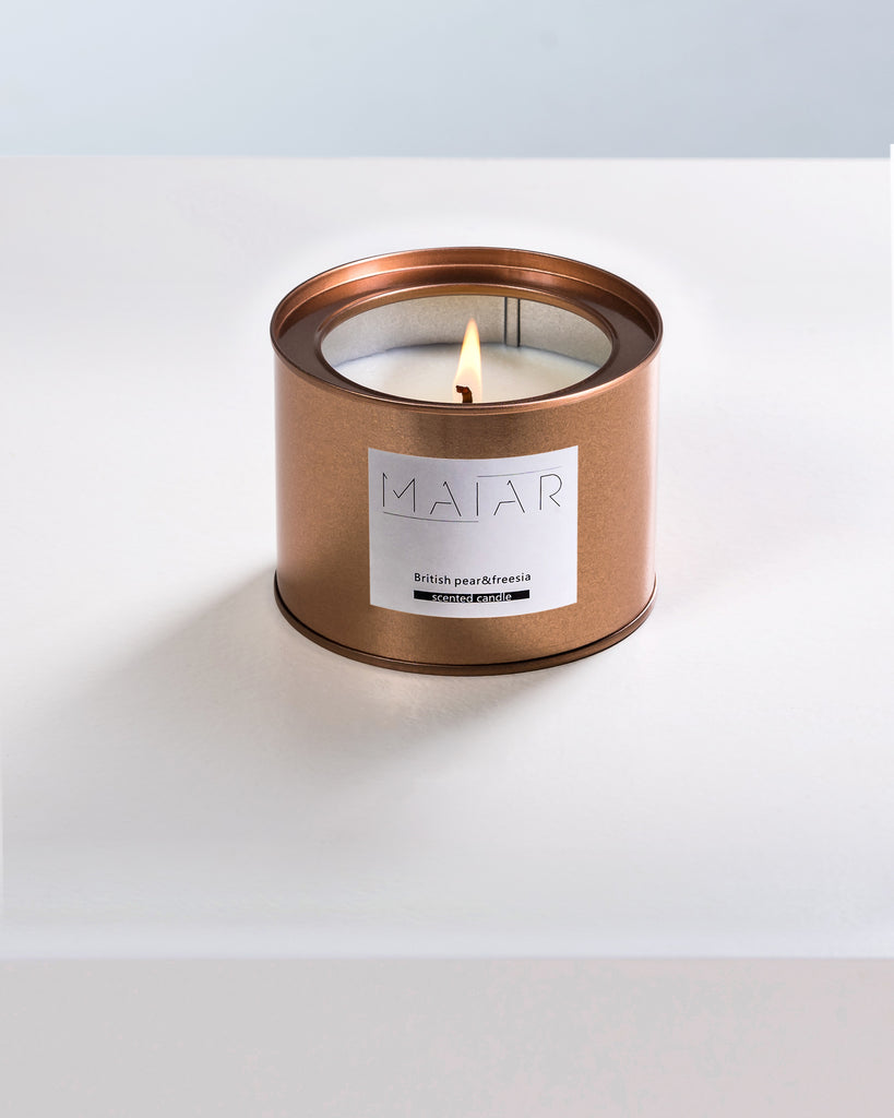 SCENTED CANDLE | BRITISH PEAR & FREESIA