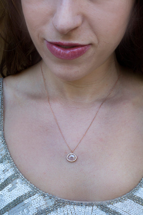 MEDITATIONS necklace in dusty rose quartz