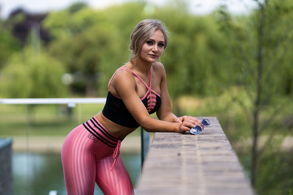 The Top Women's Activewear Trends of 2020 - Black High Waisted Leggings are a Favourite!