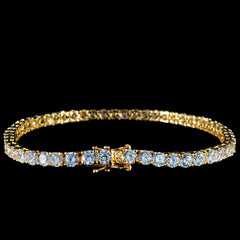 Round Cut Tennis Bracelet in Yellow Gold