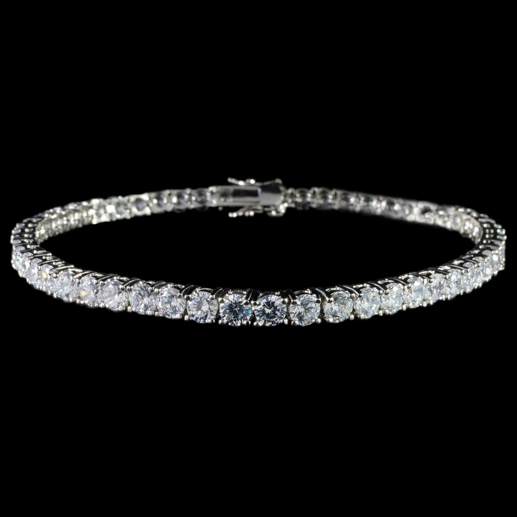 Round Cut Tennis Bracelet in White Gold