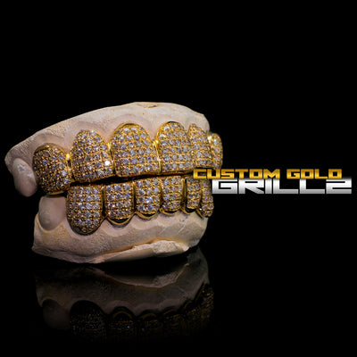 [CUSTOM-FIT] Solid Gold Natural Diamond Grillz