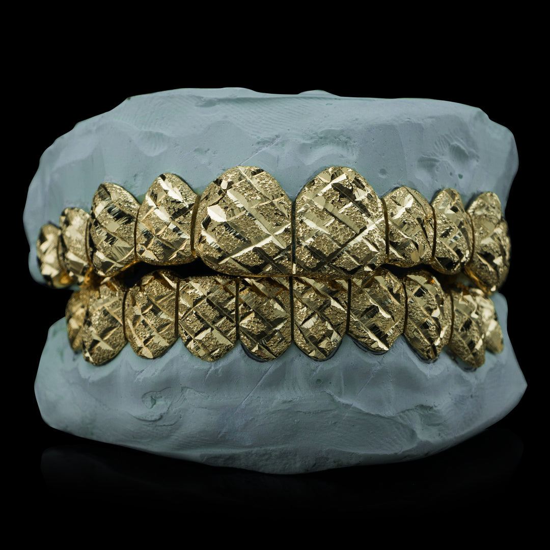 [CUSTOM-FIT] Solid Gold Diamond Cut with Diamond Dust Grillz