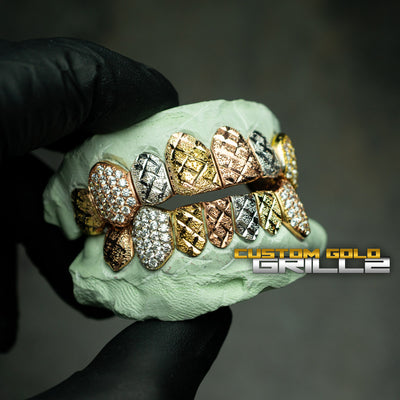 [CUSTOM-FIT] Tri-Color Diamond Cut & Diamond Dust with Iced Fangs Grillz