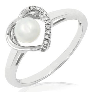 14 KT Gold Pearl Ring with Diamonds