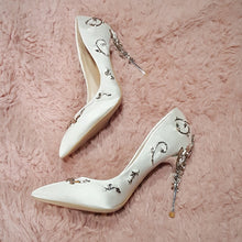 Elegant Women High Heels Rhinestone Flower Pointed Toe
