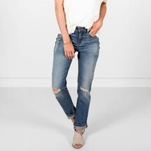 Joslyn Girlfriend Fit Denim